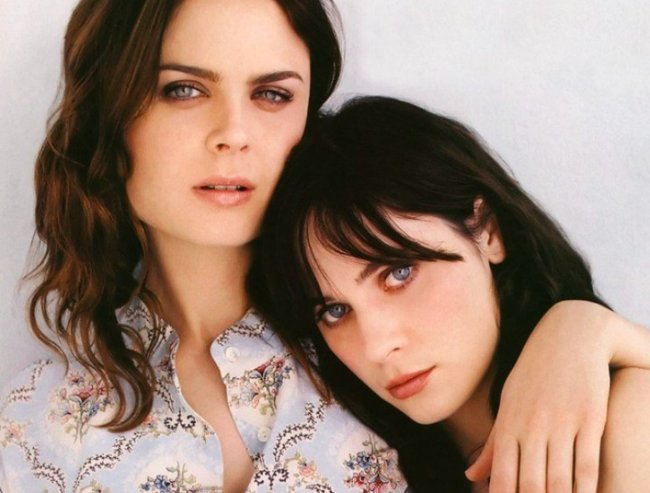 Deschanel sisters on bones