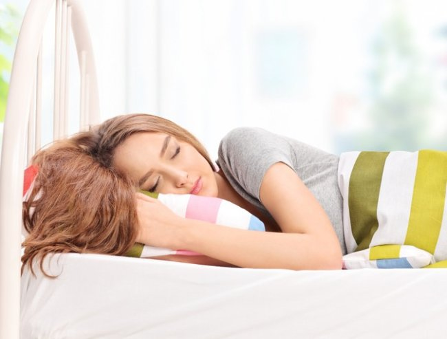 People who lie on their stomach with their hands around the pillow and head turned to one side tend to be brash. They are also described as gregarious, nervy and not able to take criticism or intense situations.