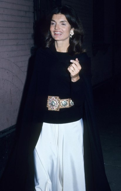 21 Style Lessons We Learned From Jackie Onassis