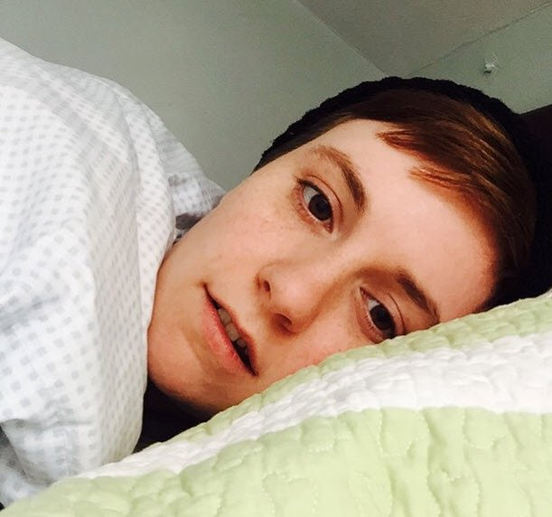 lena dunham eyebrows