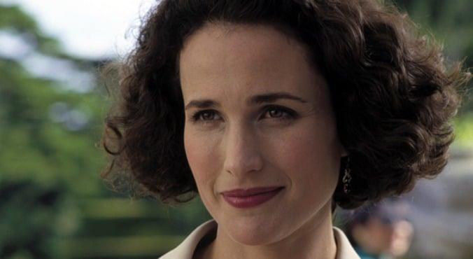 andie-macdowell-curly hair