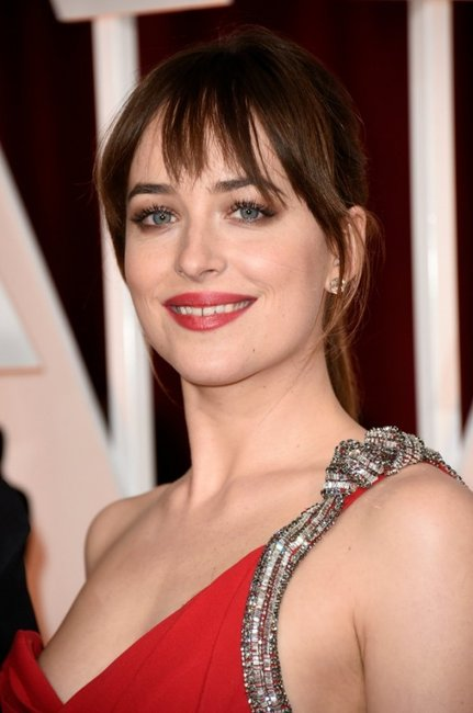 Dakota Johnson gap teeth