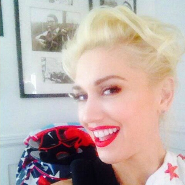 Gwen Stefani Tries To Bring Back Another 90s Hair Trend