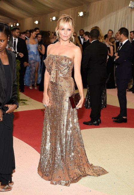Sienna Miller met gala 2016 getty