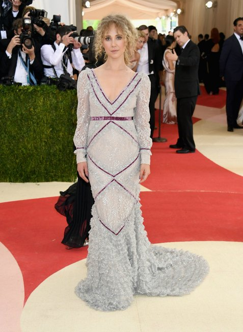 Juno Temple Met Gala 2016 getty