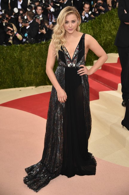 Chloe Gracec Moretz met gala 2016 getty