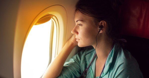 how to bring sunscreen on plane