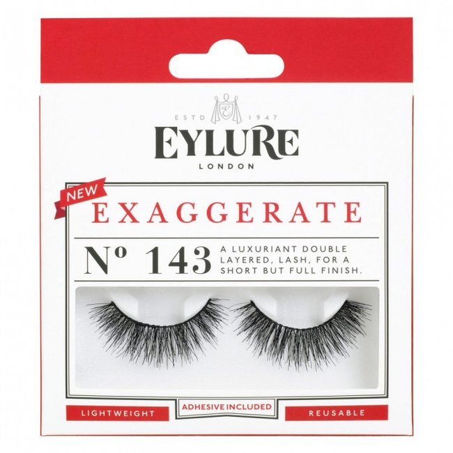 The Foolproof Guide To Applying False Eyelashes For Beginners