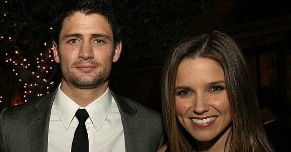 Are quinn and clay from one tree hill hookup in real life