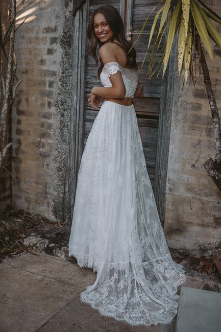 Getting married? Feast your eyes on Grace Loves Lace budget collection.