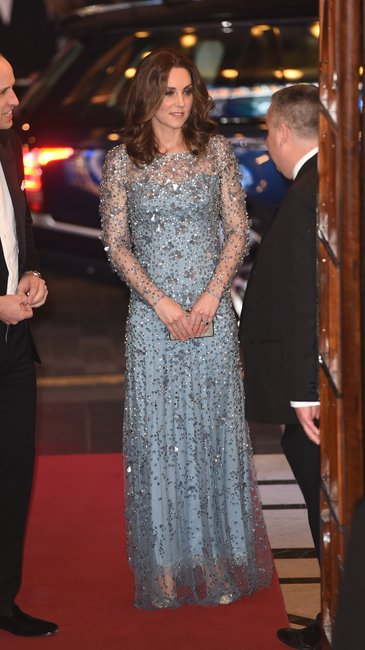 kate middleton baby bump dress