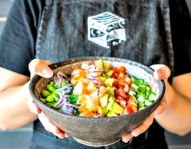 Are poke bowls healthy? We asked two dietitians to find out