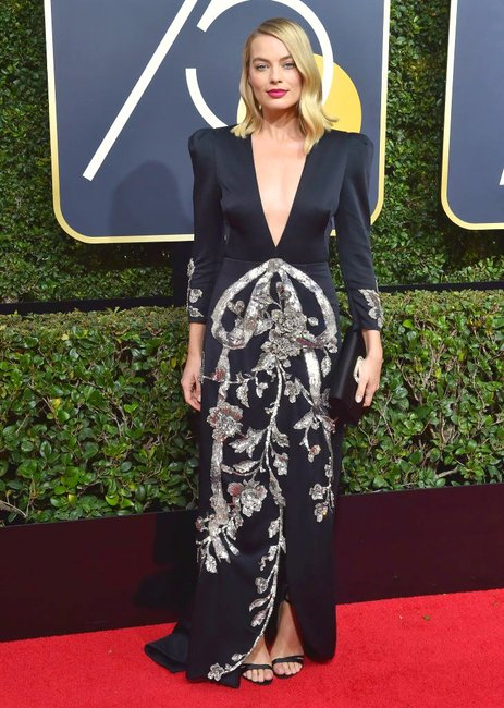 Every single outfit Margot Robbie wore this awards seasons.