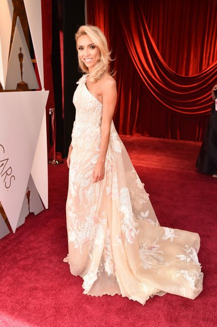 Giuliana-Rancic-90th-annual-academy-awards