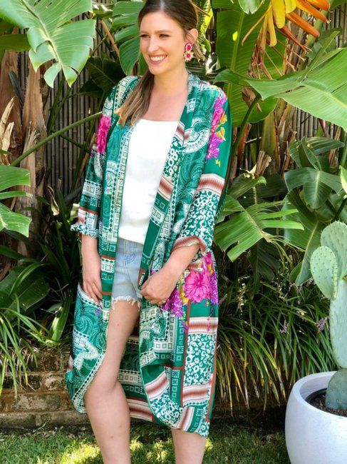 How to wear kimonos and not look like you re still in your pyjamas. 5f1477da4