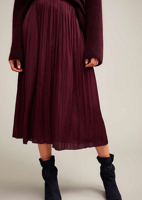 Witchery Soft Pleat Skirt in Plum
