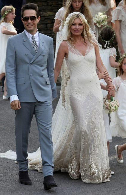 3d756d56128 30 unconventional celebrity wedding dresses that made fashion history.