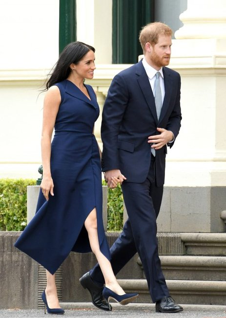 meghan-markle-navy-dress
