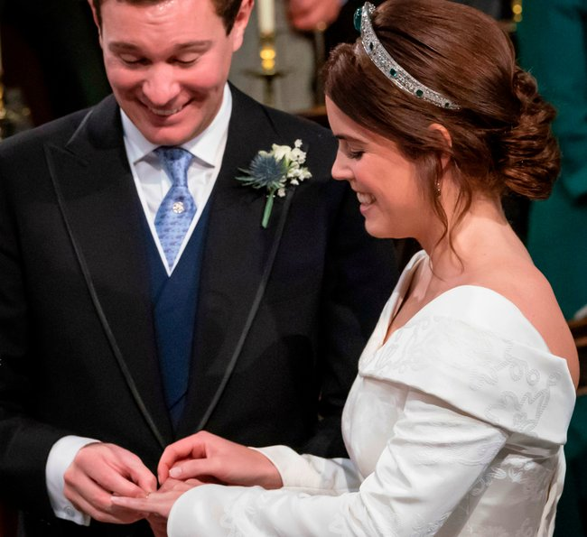 princess-eugenie-wedding-day-look