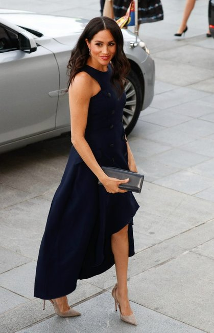 meghan markle navy dress