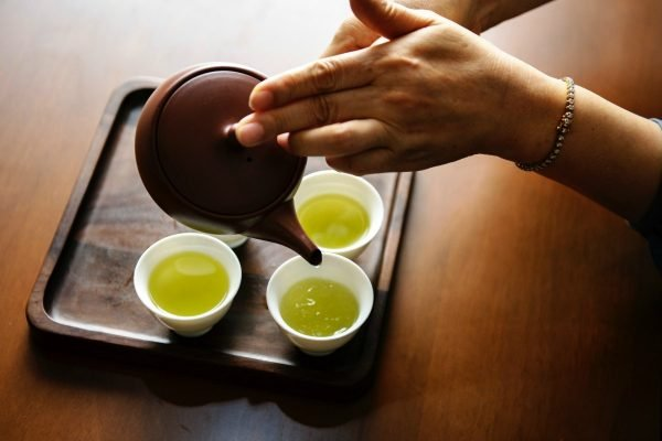 is-green-tea-healthy-benefits