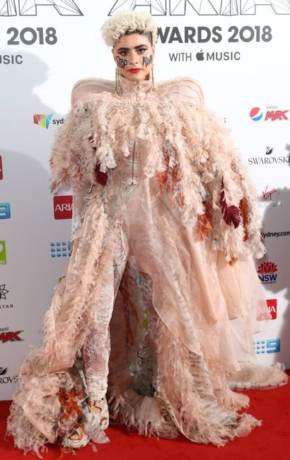 ARIA Awards 2018 red carpet Montaigne