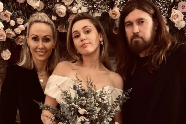 Miley Cyrus Wedding Dress.New Photos And Videos From Miley Cyrus Wedding To Liam Hemsworth
