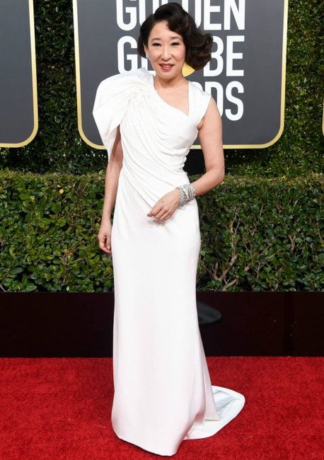 golden globes 2019 red carpet fashion Sandra Oh