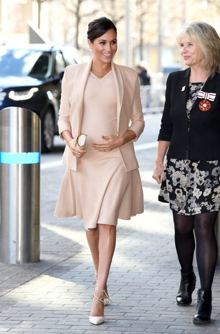 meghan-markle-matching-outfit
