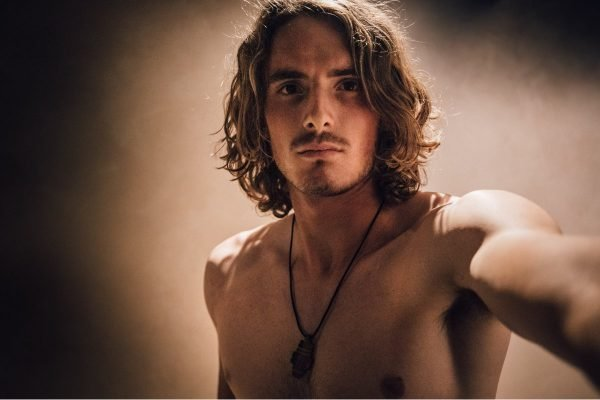 Greek tennis star Stefanos Tsitsipas has shared a naked photo to Instagram.