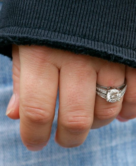 zara-phillips-engagement-ring
