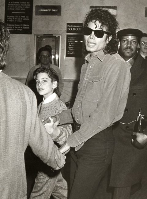 "Michael Jackson and Liza Minnelli Attending 1988 Performance of ""The Phatom of the Opera"""
