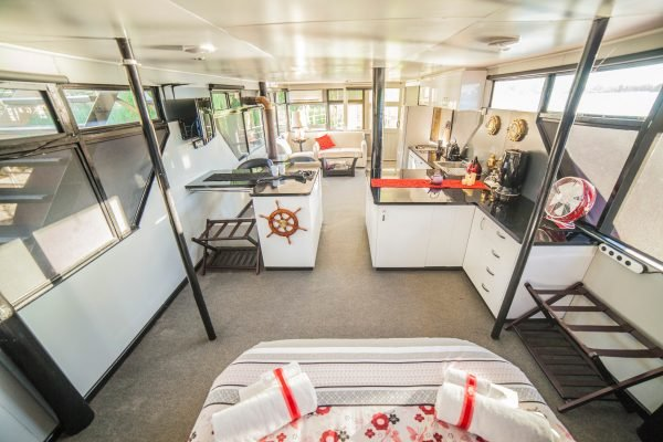 airbnb paddleboat south australia