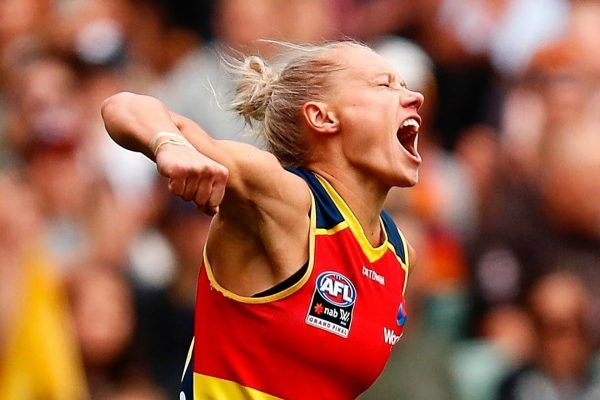 The incredible photos that prove exactly why women's footy was always going to work.