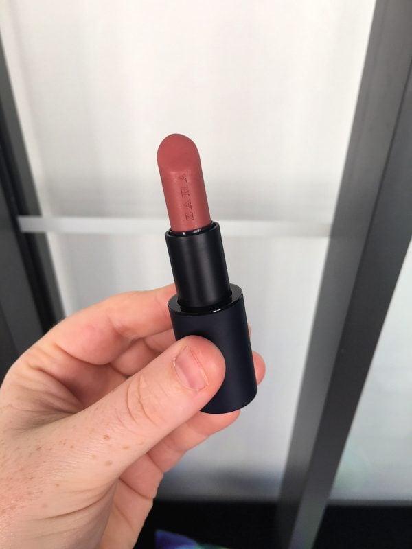 zara-lipstick-nude