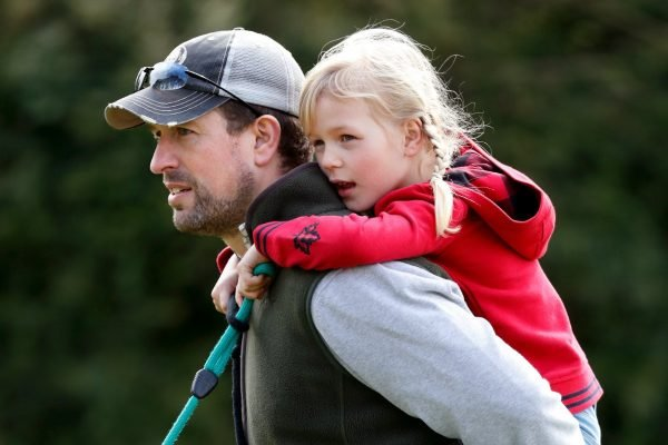 Isla Phillips with her father Peter Phillips at the 2009 Gatcombe Horse Trials. Image: Getty.