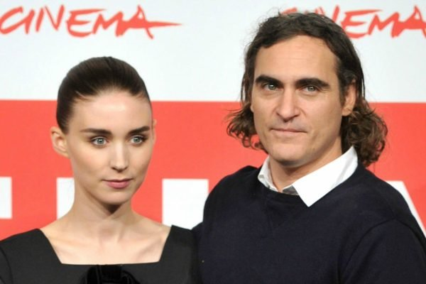 Joaquin Phoenix and Rooney Mara. Image via Getty.
