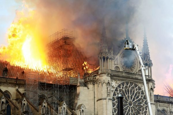 how did notre dame fire start