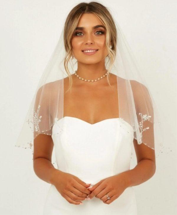 showpo-bridal-veil