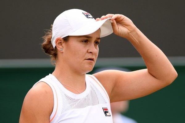 """""""The sun's still going to come up tomorrow."""" Ash Barty reacts to her Wimbledon loss, & more in News in 5."""