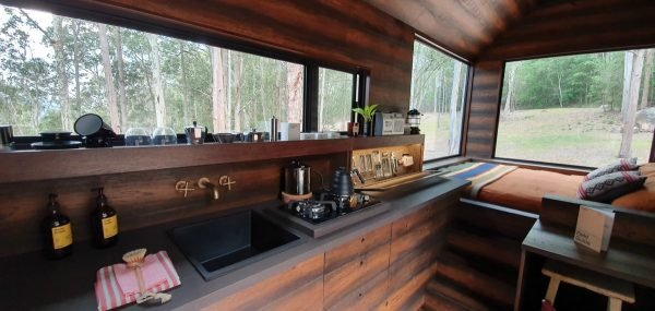 unyoked cabin